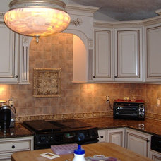 Traditional Kitchen Cabinets by Brighton Cabinetry