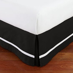 Morgan 400-Thread-Count White Stripe Bed-Skirt, King, Black - Our Morgan bed skirt finishes the bed with exceptional softness and tailored style. Woven to a luxurious 400-thread-count, it features a single white stripe along a versatile solid ground. Made of a cotton / organic cotton blend. 400-thread count. Machine wash. Imported.
