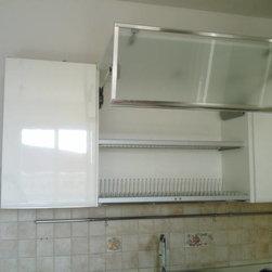 Kitchen Accessories / Organization - Plate organizer and drainer by Scavolini.