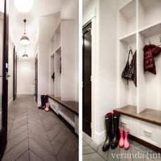 Contemporary  by Veranda Estate Homes & Interiors