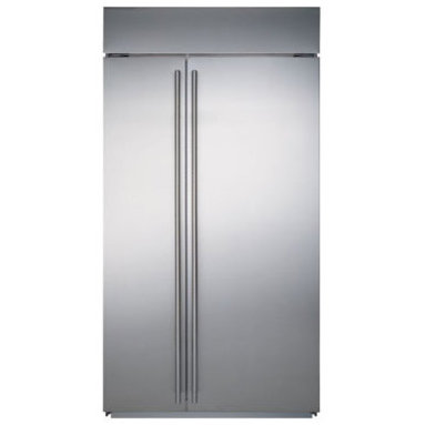Sub-Zero Side-by-Side Refrigerator/Freezer - This is really one of the go-to items for many of our clients, for good reason - they are wonderful looking and run for ever - quietly and without hassles.