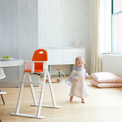 Svan - Svan Baby to Booster High Chair - Our Baby-to-Booster Bentwood High Chair is the perfect piece of furniture for a growing tot.