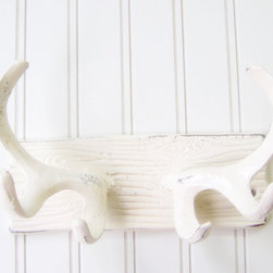 Wall Hook/Cast Iron Antlers Refinished in Shabby Cream White by The Door Stop - I love this wall hook: the beauty of nature finished in a fresh clean white.
