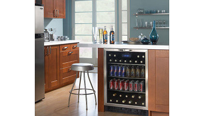 Danby - Silhouette 5.3 Cu. Ft. Beverage Center - Stainless-Steel - DBC514BLS