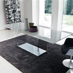 Sovet Italia - Sovet Italia | Valencia Extralight Glass Extension Table, 67-98 Inch - Design by Lievore Altherr Molina, 2006.