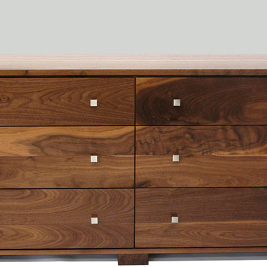 Highland 6 Drawer Dresser, Square Edge Front - The Highland Dresser can be fully personalized to suit your style. Choose from custom options including 4 drawer pulls, 3 leg styles, detailing (bevel or square edge top and drawer fronts), wood choice and stain colours (optional, on beech only). It is complemented by the Highland Tallboy and Nightstands.