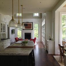 Traditional Kitchen by Derek Bloom Architects