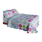 Blancho Bedding - Tropical BubblesCotton 3PC Vermicelli-Quilted Patchwork Quilt Set  Full/Queen - Set includes a quilt and two quilted shams. Shell and fill are cotton. For convenience, all bedding components are machine washable on cold in the gentle cycle and can be dried on low heat and will last you years. Intricate vermicelli quilting provides a rich surface texture. This vermicelli-quilted quilt set will refresh your bedroom decor instantly, create a cozy and inviting atmosphere and is sure to transform the look of your bedroom or guest room. Dimensions: Full/Queen quilt: 90 inches x 98 inches. Standard sham: 20 inches x 26 inches.