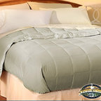 Pacific Coast Feather Company - Pacific Coast Down Blanket - Clover - Twin - Pacific Coast Down Blankets are design with the most lasting and comfortable material in the market, Pacific Coast Down Blanket guarantees you the refreshing and energizing sleep you've been looking for. Also, the Pacific Coast Down Blanket has been proven to be very light, making it ideal to use it on hot weather like summer season, so you can enjoy a refreshing night at home instead of an asphyxiating restless night. The Pacific Coast Down Blanket is made with high thread count fabrics that will enable you to have a blanket that will last for years to come. Rest assured that when purchasing this wonderful Pacific Coast Down Blanket, you will have a long lasting product. Try it now and enjoy more comfortable nights and sleep at ease with the amazing Pacific Coast Down Blanket.