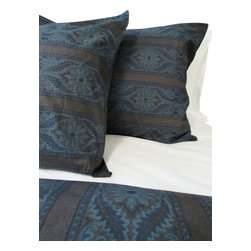 Cokas Diko - Cokas Diko Sonoma Paisley Duvet Set, Queen - Wake rejuvenated from a deep sleep covered by these enchanted duvet covers made exclusively for Cokas Diko.  The Sonoma Paisley Duvet Set comes in king and queen size with coordinating shams.  The pattern reverses to self and crafted with 300 thread count pre washed percale cotton.  Machine washable.
