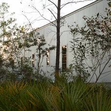 Contemporary Exterior by Geoff Chick & Associates