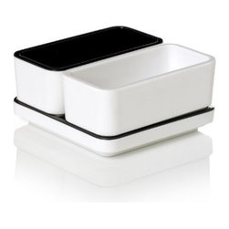 Pantone - Pantone Salt & Pepper 3 Piece Set, Anthracite - Pantone Universe is a design led collection for the home, the workplace and the road. Accessories and apparel you need in designs you want and in the colors you love, by Pantone, the authority of the universal color language.