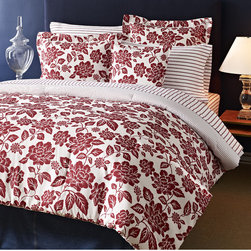 Tommy Hilfiger - Tommy Hilfiger Smithfield Floral 3-piece Cotton Reversible Comforter Set - The Tommy Hilfiger Smithfield Floral set features a gorgeous floral print that reverses to an ordered pinstripe. The machine washable comforter includes two matching shams to complete the bedroom look.