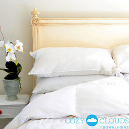 None - CozyClouds by DownLinens Basic White Goose Down Comforter - Hypoallergenic and double-stitched for security,this down comforter will help you sleep like a king or queen no matter the weather. Filled with plush goose down,this medium warmth white comforter features 550 fill power.