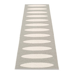 Pappelina - Pappeline Ella Plastic Runner, Warm Grey - This  rug from Pappelina, Sweden, uses PVC-plastic and polyester-warp to give it ultimate durability and clean-ability. Great for decks, bathrooms, kitchens and kid's rooms. Turn the rug over and the colors will be reversed!