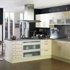 contemporary kitchen cabinets by Foshan Yubang Furniture Co., Ltd.