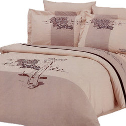 Le Vele - Le Vele Golf, Embroidery 6pc Duvet Cover Sheet Set Bed in a Box, Queen LE130Q - The grace of cotton meets with the elegance of Embroidery with this ensemble with golfers embroidered on a Sand-Brown backdrop that reverses to an Ecru color with black stripes.