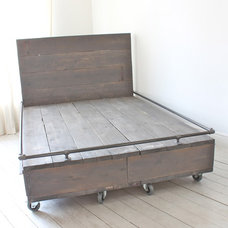 Industrial Beds by Inspiritdeco