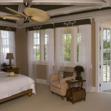 Traditional  by Southern Studio Interior Design