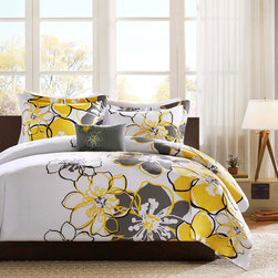 Mi-Zone - MiZone Mackenzie 4-piece Comforter Set - This attractive floral-patterned four-piece comforter set makes a handsome addition to any bedroom environment. This set has been crafted from 100 percent polyester to provide the superior warmth and comfort needed to stay cozy on cold nights.
