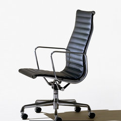 Eames Aluminum Group Executive Chair at Herman Miller