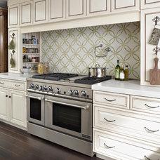 Kitchen by Rebekah Zaveloff | KitchenLab