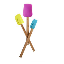 Core Bamboo Kitchenwares - Classic in shape and design, Core Bamboo's colorful 3 piece bamboo and silicone spatula set is perfect for all kitchen prep. Designed with a silicone tip and bamboo handle, these durable  cooking utensils are easy to use for cooking your favorite meal.