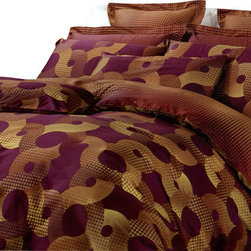Dolce Mela - Modern Luxury Bedding Duvet Cover Set Dolce Mela DM451, Queen - Bring decidedly modern sensibility and great ambiance to your bedroom with this luxurious bedding set.