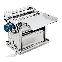 Paderno World Cuisine - Manual Pasta Machine - This Paderno World Cuisine manual pasta machine laminates and cuts fresh pasta dough. It is made of chromed steel and stainless steel. Cutting pasta shaping attachments may be bought separately. A side knob adjusts the thickness of the dough sheet, while a manual crank pushes and flattens sheet through pressing cylinders.