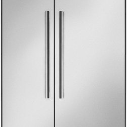 Thermador - 42 inch Built-In Side-by-Side T42BR810NS - We put convenience first when we designed our side-by-side refrigerators. With fully-adjustable glass shelves and easy electronic control, all of our side-by-sides can be ordered with an optional ice and water dispenser.