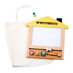 gg* - Oekaki house magic board - This beautiful magic board allows you to draw with the magnet pen, erase and draw again endless times onto a 4 coloured background. Pull the little dog along to erase and use the circle, square or triangle shaped magnets to enhance your drawing skills.