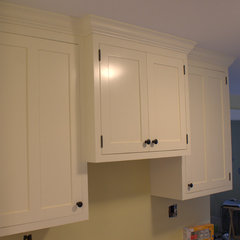 traditional kitchen cabinets by Salmon Falls Cabinetry