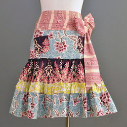 Grace Half Apron - Take an typically strictly functional kitchen accessory, like an apron, and make it fun. This whimsical half apron almost passes for a skirt. I hope you don't mind if it gets a little messy.