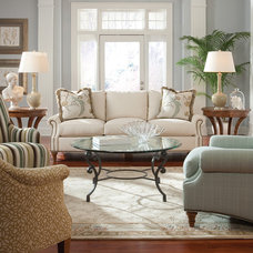 Traditional Sofas by Huntington House Furniture