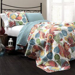 Lush Decor - Lush Decor Layla 3-piece Quilt Set - This quilt features a vibrant pattern of floral pieces on a light background with a reverse composed geometric shapes in a deep turquoise. Two matching shams are included to help decorate the bedroom.