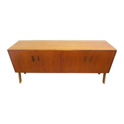 Pre-owned Floating Teak Credenza By Donald Gomme For G Plan - Rare low danish modern floating teak credenza designed Donald Gomme for G plan. Made in England. In great vintage condition. A perfect, drool-worthy Mid-Century style entertainment center or sideboard.