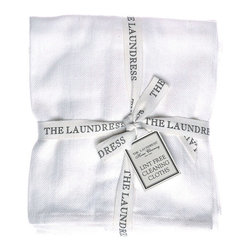 Lint Free Cleaning Cloths - Set of 3 - Optimal cleaning of glassware and windows as well as polished stone is nearly effortless with these quality white towels, a trio of Lint Free Cleaning Cloths. Popular with professional chefs for their natural cotton construction and easy use, lint-free towels have endless uses. These luxury versions of a home and kitchen essential are made with an elegant herringbone weave.