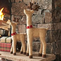 Felt Reindeer Decor - I would place this darling pair of deer in my entryway to welcome guests as they come in from the cold.