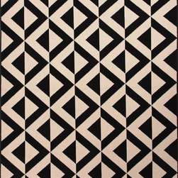 "Jaipur - Indoor/Outdoor Patio 2'x3'7"" Rectangle Black Area Rug - The Patio area rug Collection offers an affordable assortment of Indoor/Outdoor stylings. Patio features a blend of natural Black color. Machine Made of 100% Polypropylene the Patio Collection is an intriguing compliment to any decor."