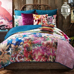 Tracy Porter - Tracy Porter Poetic Wanderlust Rose Boheme Leandre Reversible Quilt - Inspired by vibrant hand-dyed textiles, the Leandre quilt bursts with an exciting variety of colors and patterns that will fill your bedroom with a free-spirited bohemian flair. Quilt reverses to a solid teal for an easy way to change up your bed's look.