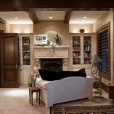 Traditional  by Markay Johnson Construction