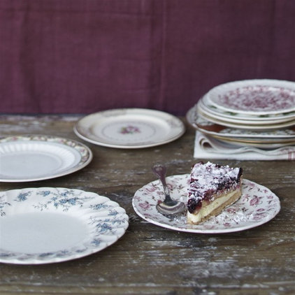 Traditional Dinner Plates by Greenhouse Design Studio