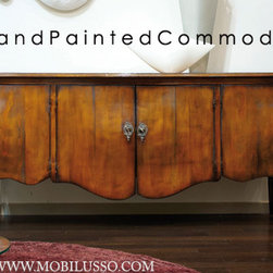 Luxury Italian Hand painted Bombe chest - Luxury Bombe chest with four drawers style hand painted with light brown colors, more attention finishings and two pieces of great bronze on the legs,