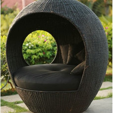 Outdoor Lounge Chairs by Home Infatuation