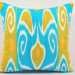 Hand Woven Ikat Pillow Cover -  spi401 - Ikat pillow cover constructed from hand woven Ikat fabric from Uzbekistan.