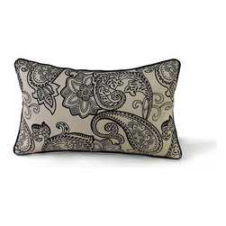 14 Karat Home - Palais Pillow, Black - Wow, this printed large paisley design is a perfect accent pillow in a classic or traditional setting. The contrast welting adds interest to this printed design. This accent pillow mixes will with solids and other patterns.