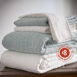 "Viva Terra - Bamboo Cotton Hand Towel - White (set of 2) - Plush, luxurious and absorbent towels woven from 70% bamboo viscose and 30% organic cotton.BATH  30"" x 54"", HAND 16"" x 30"" , WASHCLOTH 13"" x 13"""