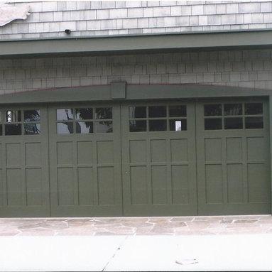 Traditional Garage Doors - Tungsten Royce
