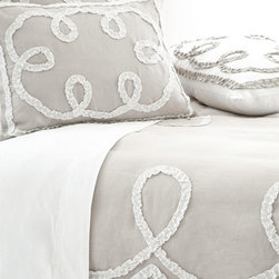 Pine Cone Hill Ruched Linen Platinum with White Duvet - The Ruched Linen Platinum with White duvet by Pine Cone Hill adds a touch of girly, graphic interest to bedding ensembles with gathered white linen ruched trim bordering and looping around three edges of the duvet. Duvet is made from 100% linen and is machine washable. pair this with coordinating Ruched Linen items, the Monique Stripe bedskirt and Monique neckroll pillow for a complete look. Select a twin, full/ queen or king size.