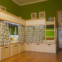 Tommaso &amp; Lorenzo's Bright Bedroom Small Kids, Big Color Entry # 25 | Apartment